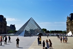 Pyramide du Louvre (Louvre Pyramid)